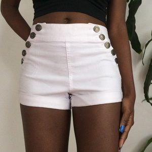 Pants - sailor-style high-waisted white shorts